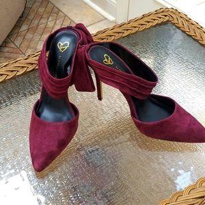 Women's Velvet Plum Heels size 9.